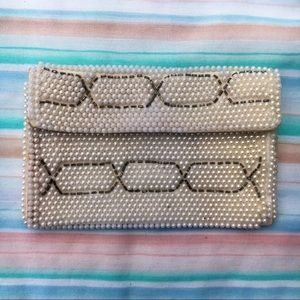Vintage Minimalistic Ivory Pearl Bead Wallet Pouch